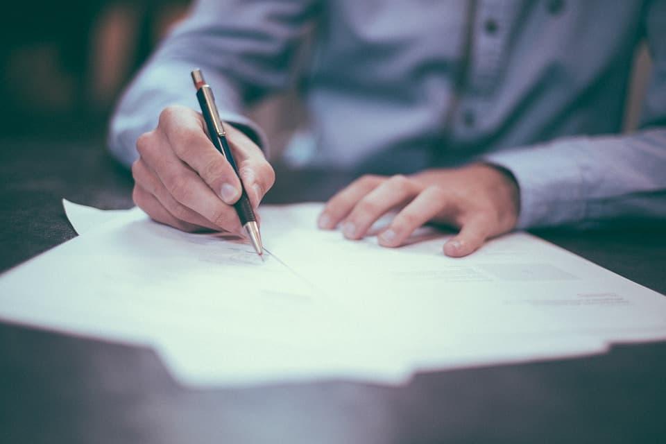 Umowa zlecenia vs. umowa o dzieło