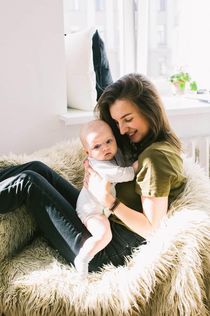 3-miesięczny okres wyczekiwania na zasiłki opiekuńczy i macierzyński