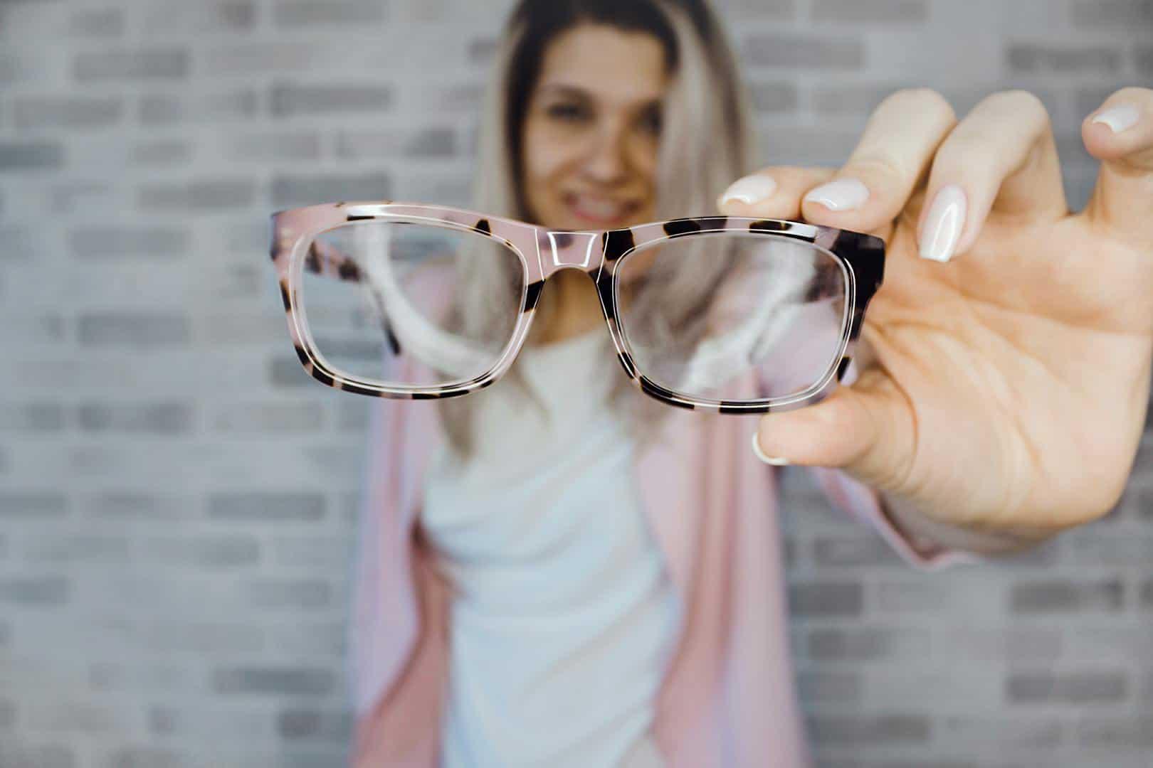 Dofinansowanie do okularów korekcyjnych pracownika