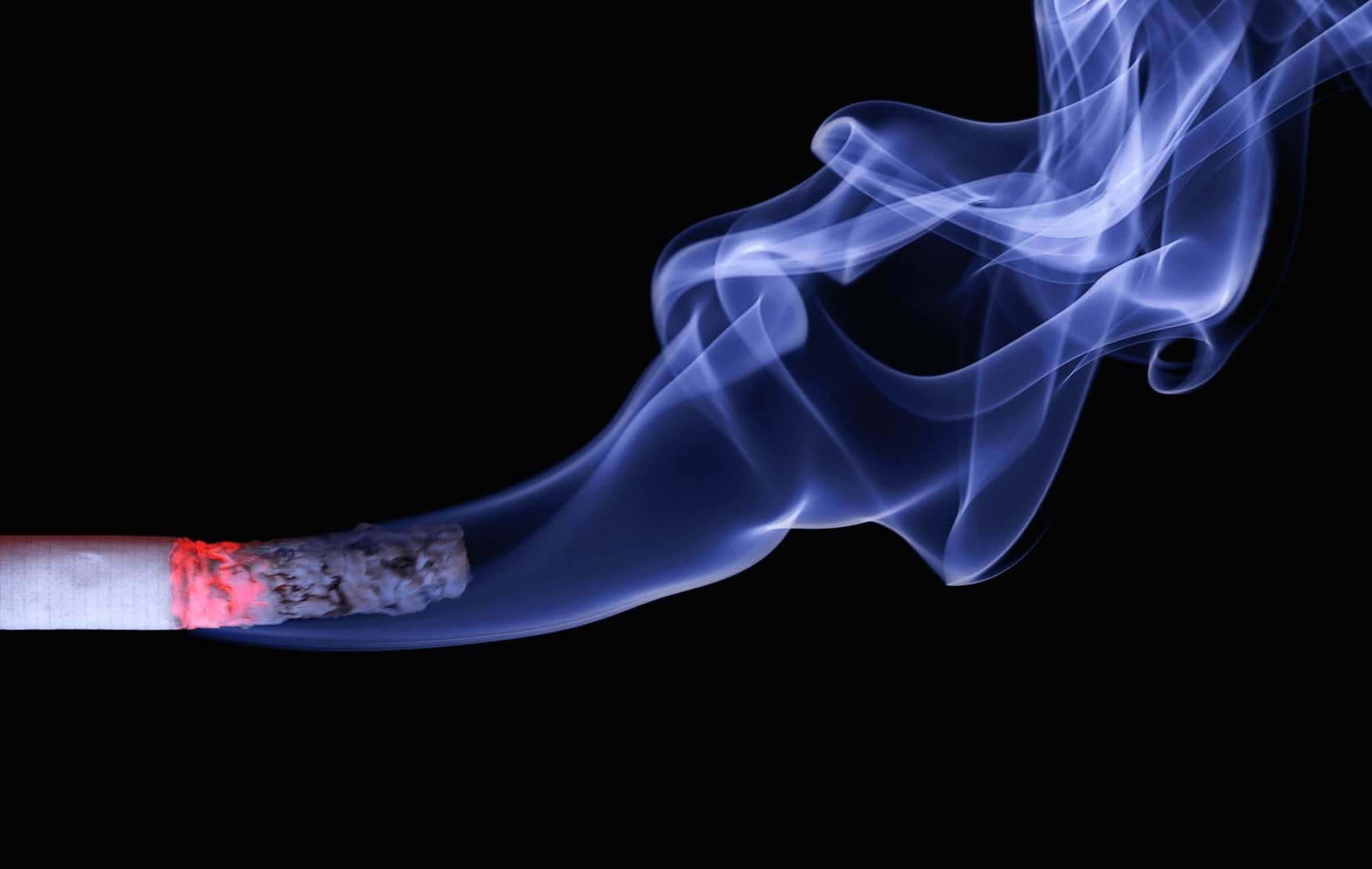 Palenie na terenie zakładu pracy.