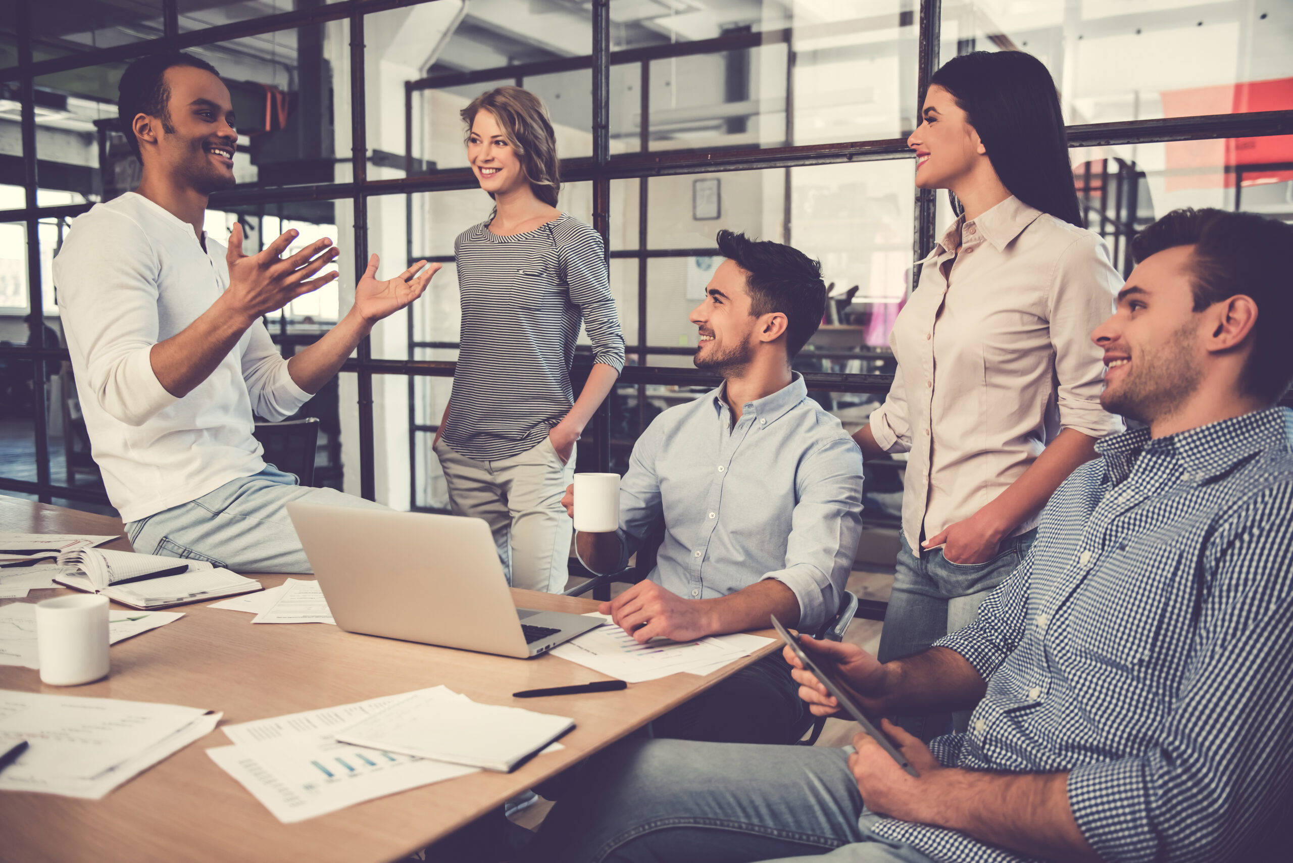 Jak ustalić wynagrodzenie pracownika tymczasowego?
