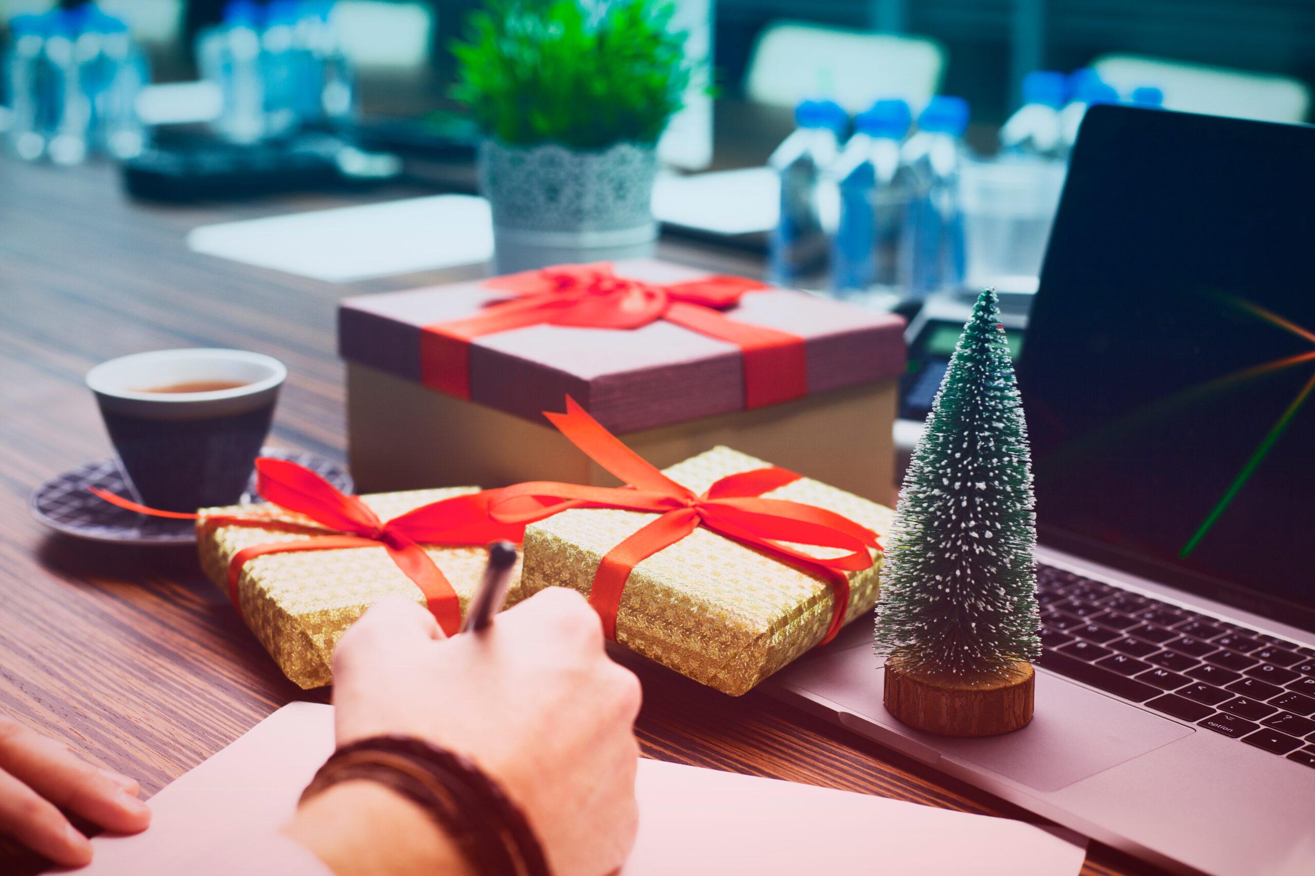Czy paczki świąteczne są przychodem dla pracownika?